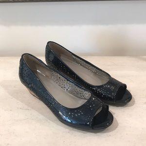 Black Patent Peep Toe Heels by me Too size 8M